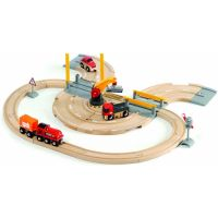 Vláčikodráha s nákl. vlakom, závorami a cestným priecestím 26 dielov