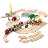 Brio Vláčiková dráha s os. vlakom, závorami a cestným priecestím, 33 dielov 2