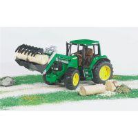 Bruder traktor john deere s radlicou 2