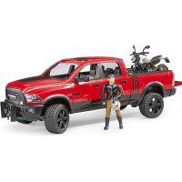 Bruder 02502 RAM 2500 Power Wagon s Scramblerem Ducati Desert Sled a řidič
