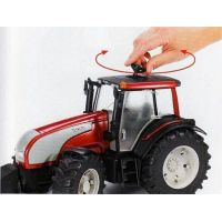 BRUDER 3070 Traktor VALTRA 4