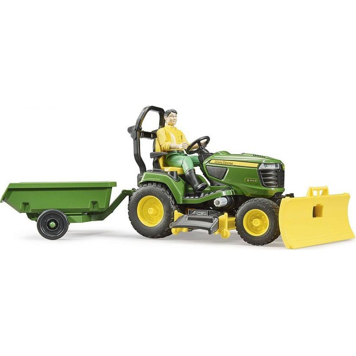Bruder 62104 Záhradný traktorček J.Deere s príslušenstvom a figúrkou