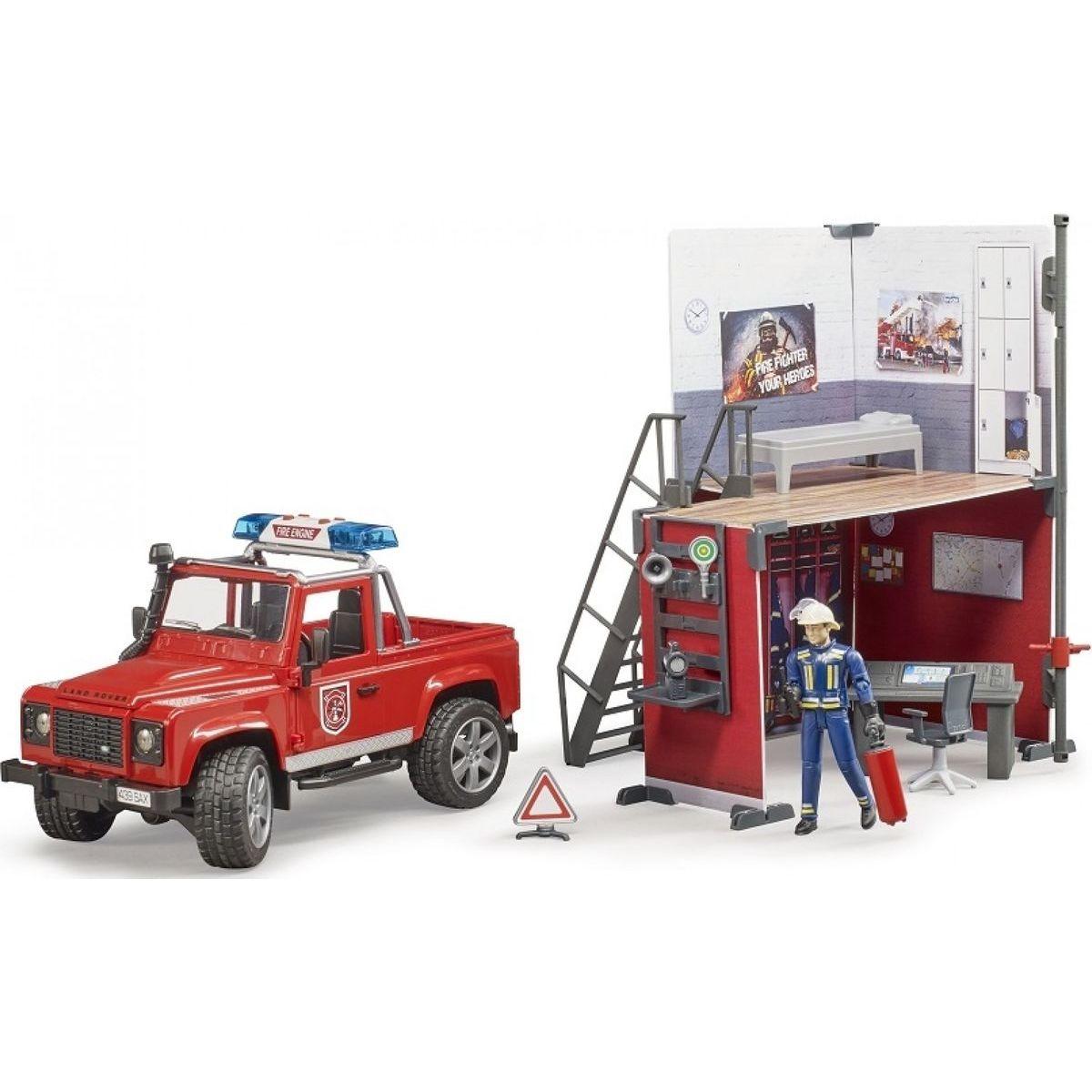 Bruder 62701 Land Rover Defender hasiči sa stanicou