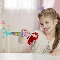 Hasbro Disney Princess bábika svietiaca Ariel do vody 5