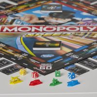 Hasbro Monopoly Speed 4