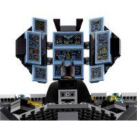 LEGO Batman Movie 70909 Vlámanie do Batcave 6