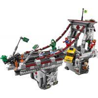 LEGO Super Heroes 76057 Spiderman: Úžasný souboj pavoučích válečníků na mostě 3