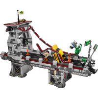 LEGO Super Heroes 76057 Spiderman: Úžasný souboj pavoučích válečníků na mostě 4