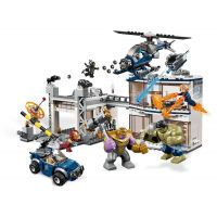 Lego Super Heroes 7613 Boj o základňu Avengerov 3