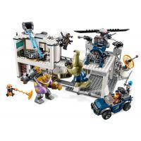 Lego Super Heroes 7613 Boj o základňu Avengerov 4