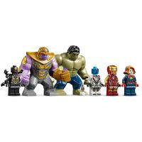 Lego Super Heroes 7613 Boj o základňu Avengerov 5