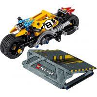 LEGO Technic 42058 Motorka pre kaskadérov 2