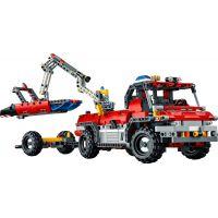 LEGO Technic 42068 Letiskové záchranné vozidlo 6