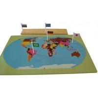 Montessori Svet mapa s vlajkami na stojančeku