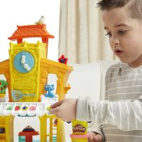 Hasbro Play Doh 3-in-1 Town Center 6
