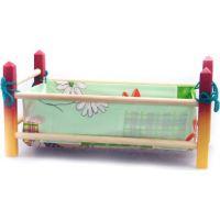 Postieľka drevená malá farebná 39 cm pre bábiku s perinkou Zeleno-žltá konštrukcia 2