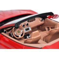 RC auto Ferrari California (1:12) 5