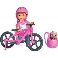 Bábika Evička s bicyklom