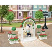 Sylvanian Families Mesto kvetinová výzdoba s bránou 3