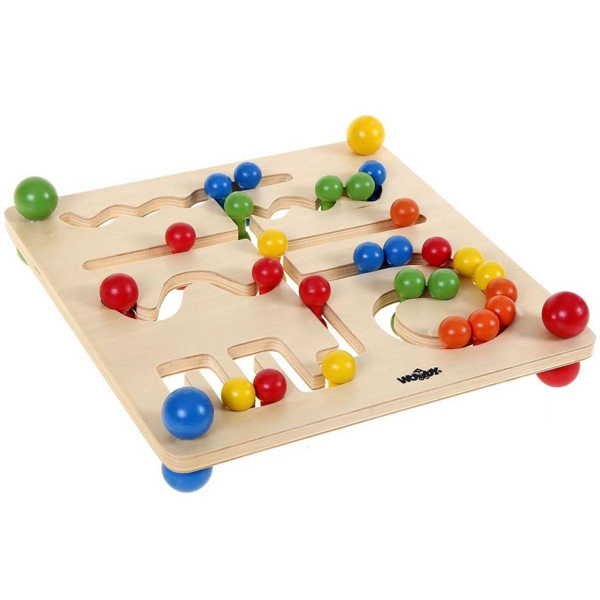 Woody motorický labyrint s guličkami